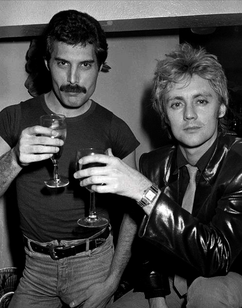 freddie-and-roger-at-a-new-year_s-eve-party-at-legends-nightclub-in-london-in-december-1980-photo-by-richard-young